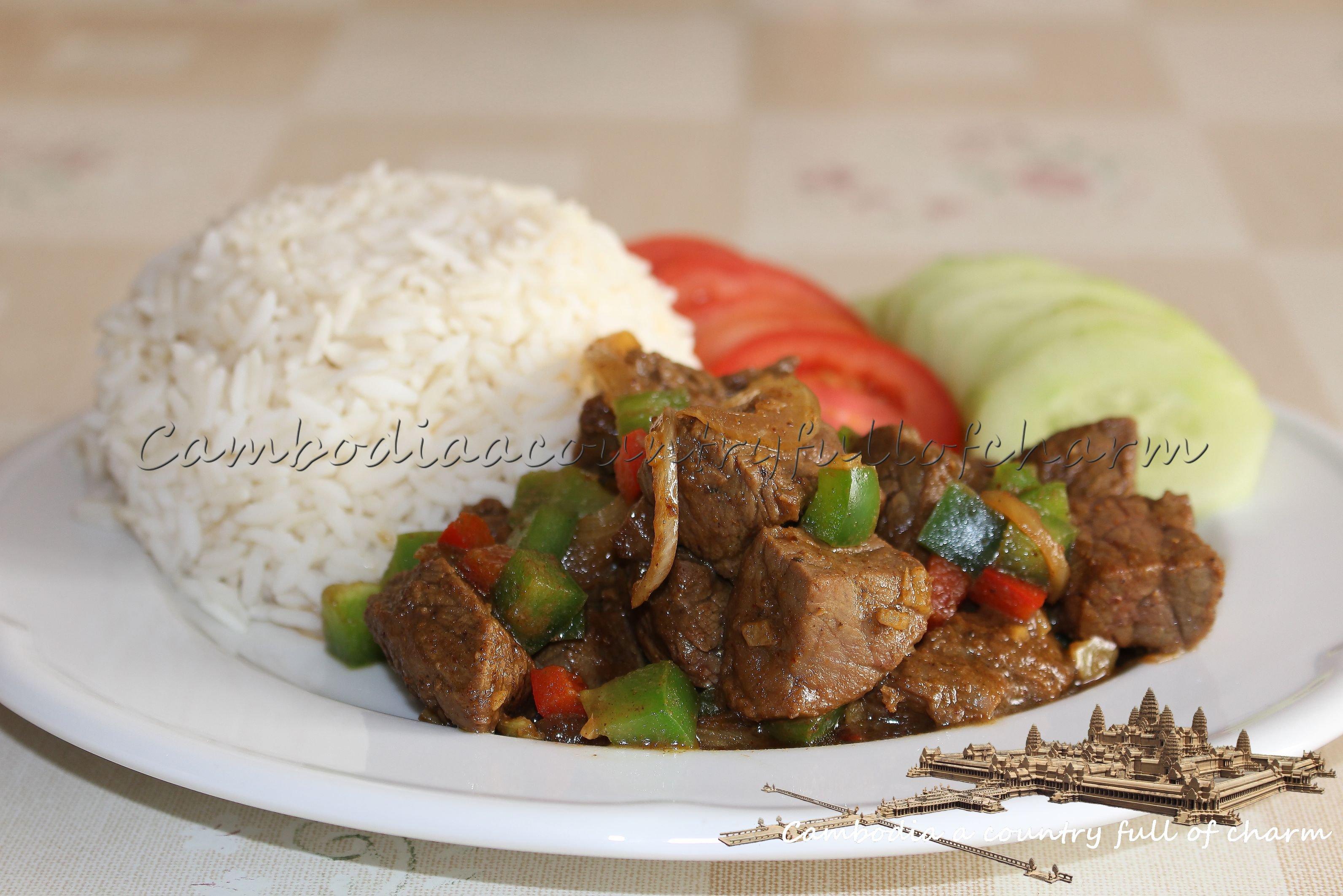 boeuf au satay et au poivron - satay de senteurs d'angkor a siem reap