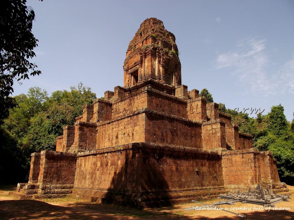 temple-prasat-baksei-chamkrong-angkor-cambodge-5